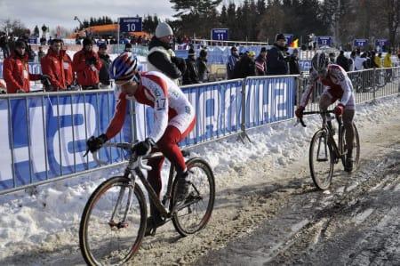 DOPA BRØDRE:  De to brødrene Pawel og Kacper Szczepaniak tok gull og sølv i U23-klassen i årets VM i sykkelcross. Etter rittet ble de begge tatt for EPO-bruk. Foto: Snorre Sverreson Jensen