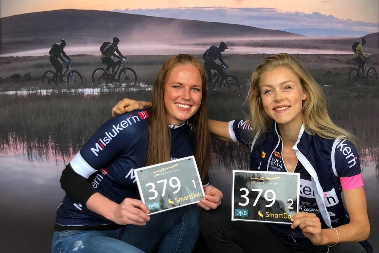 Stine Pedersen og Rakel Birkeli (til høyre) ble nummer to i dameklassen i OF300. Foto: Morten Broks