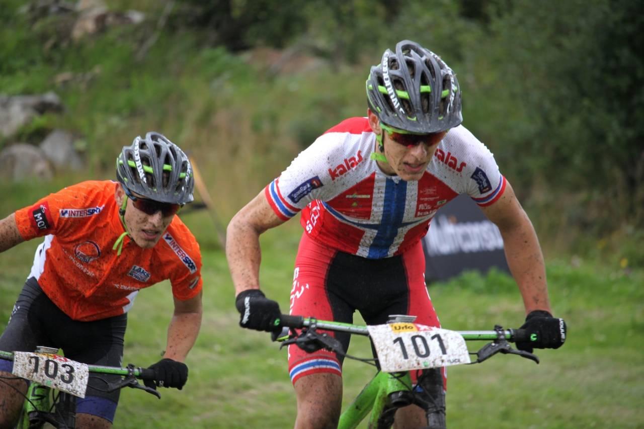 Tvillingene Tobias Johannessen (foran) og Ander Johannessen er to av seks ryttere på det nye UCI rundbanelaget Sørensen Racing. Foto: Ingrid Lægreid/NCF