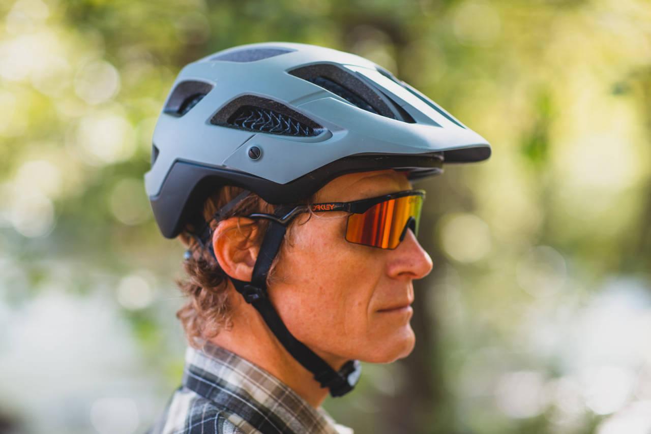 HELT NY TEKNOLOGI: Bontrager har enerett på bruk av WaveCell i sykkelhjelmer. Plastnettingen demper både støt og rotasjon bedre enn eldre hjelmteknologi.