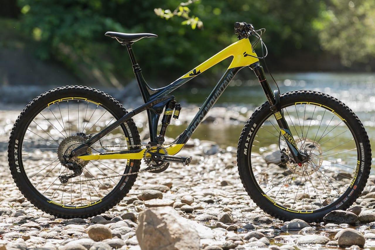 REINKARNASJON: Det er flere sykler i testen som har fått et nytt design, Rocky Mountain Slayer er en av dem. Foto: Kristoffer Kippernes