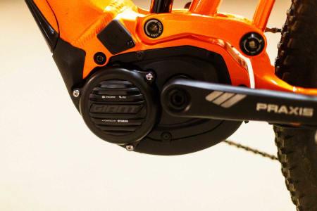 Giant har tilpasset Yamahas motor til sine sti-elsykler. Yamaha er en av gigantene når det<span class='oval'>…</span>