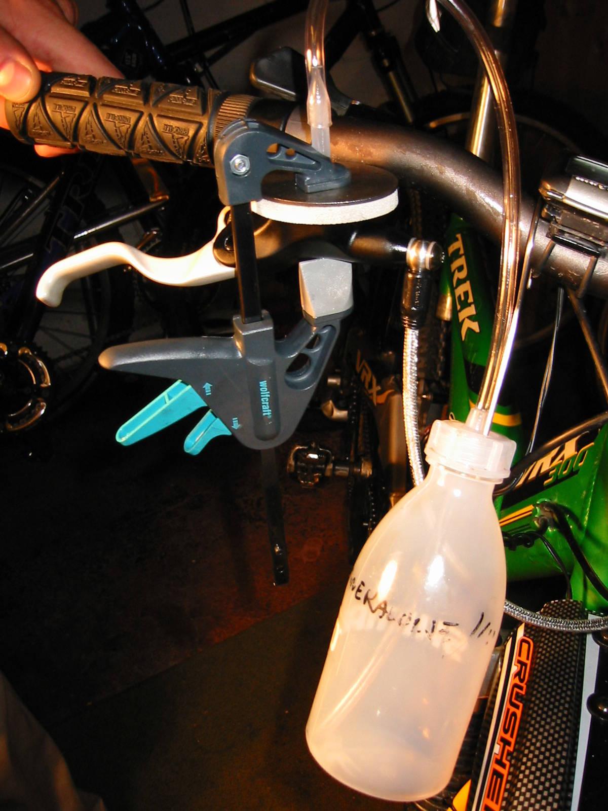 Dette hendige luftesettet koster 698,- kan bestilles hos din lokale sykkelforhandler