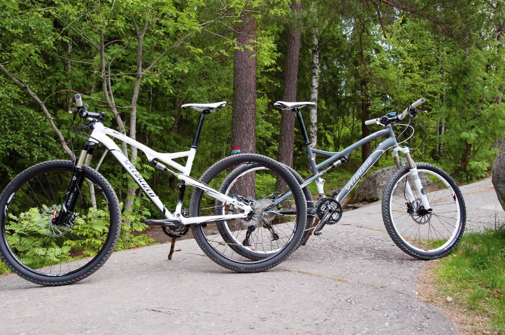 STORE MOT SMÅ: To like Specialized Epic, men med forskjellig hjulstørrelse. Vi har sammenlignet og testet.
