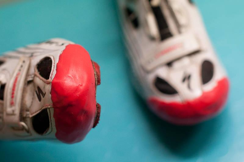 FIKS: Myk Sugru rundt tuppen kan fikse en nesten utslitt sko.