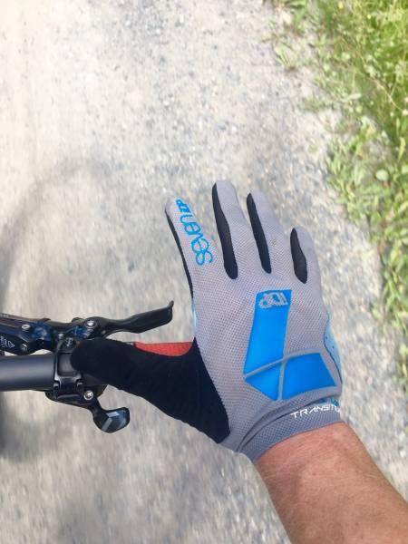 TRANSITION: Sevens tynneste hansker gir godt grep og passe med beskyttelse.