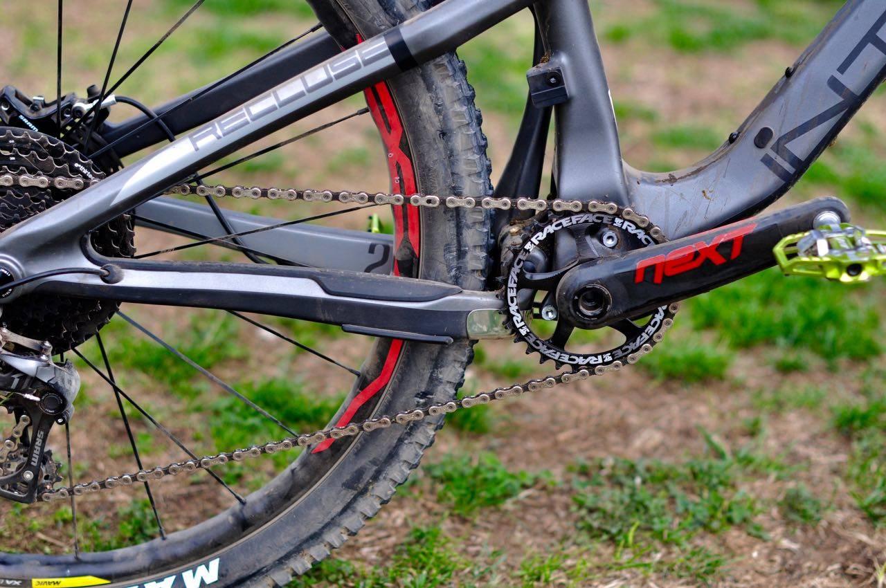 KALL DET IKKE VPP: Santa Cruz' patent på VPP er utløpt, men Intense har valgt en egen tilpasset løsning på opphenget av bakhjulet. Alle foto: Øyvind Aas