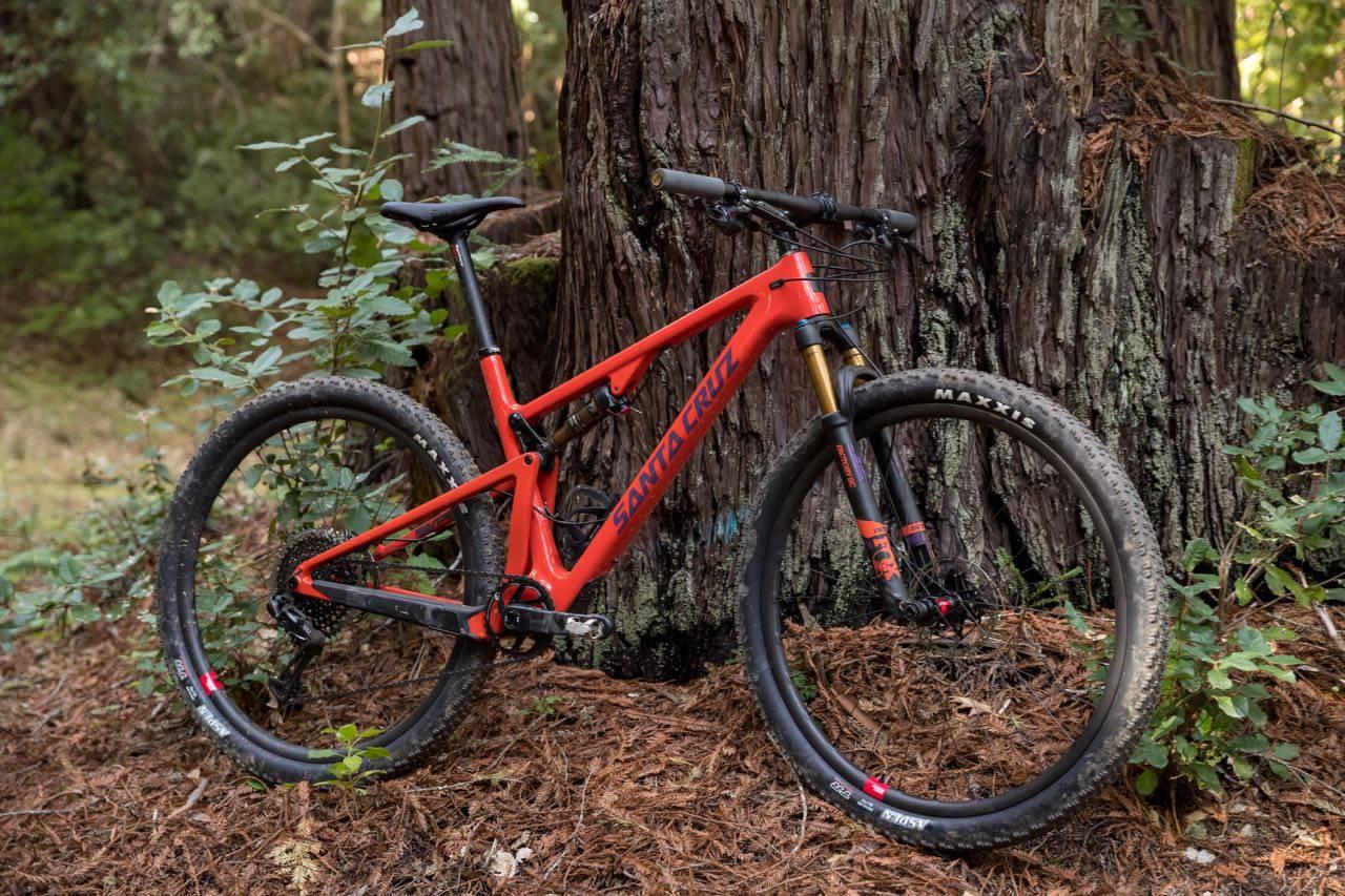 NY BLUR: Santa Cruz sin klassiske rittsykkel med VPP er tilbake i ny ritt-tilpasset form med 29er hjul, lav vekt og moderne geometri. Foto: Forrest Arakawa/Santa Cruz