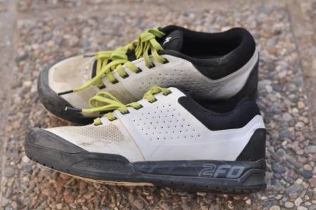 LAIDBACK: 2FO-Skoene gir deg en avslappa stil på stien, men skoene er stivere enn de gir inntrykk av.