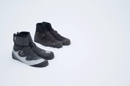 SKODUELL: Specialized DeFroster og Fi'zi:k X2 Trail artica er gode vintersko for kalde og våte sykkelturer. Specialized-skoene er varmest, Fi'zi:k-skoene gir best sykkelfølelse.
