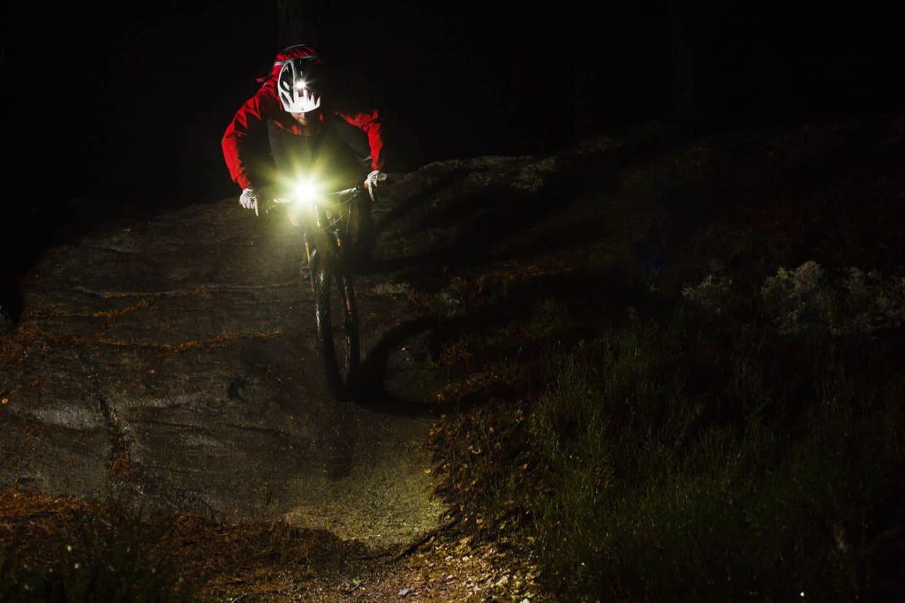 Stor test av sykkellykter. Foto: Snorre Veggan