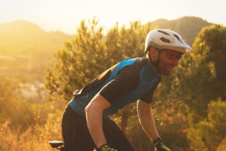 NORSK DESIGN: Sweet Dissenter er en allsidig terrengsykkelhjelm. Like fin til lange treningsturer som til stiturer i krevende terreng. Alle foto: Kristoffer H. Kippernes.