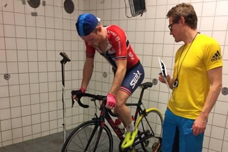 Ole Hem under siste test på Høgskolen i Lillehammer. Foto: Privat