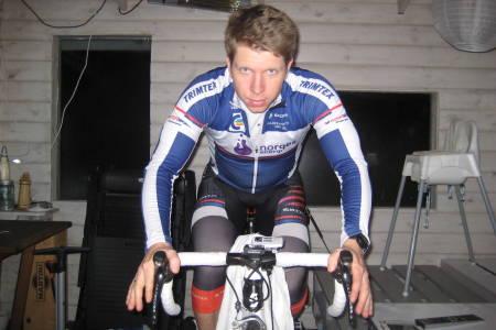 Sondre Lindstad-Hurum trener helst intervall på rulla. Og den bruker han ofte, særlig etter at han ble fulltidsarbeidende og småbarnspappa.