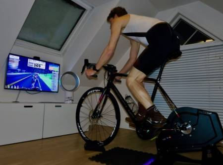 MÅLBEVISST: Terskeltrening er effektiv trening som gir god forbedring i form og resultater. Følg med på puls og effekt for å få maks utbytte uten å gå for langt ned i kjelleren.