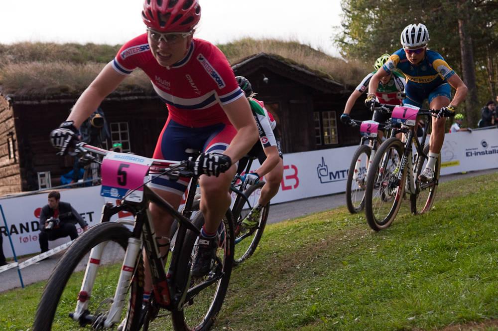 KANONSESONG: Ingrid Sofie Bøe Jacobsen fikk sitt internasjonale gjennombrudd i år. Neste år må hun ta steget opp rundbane da sprint ikke får egen verdenscup. Foto: Øyvind Aas