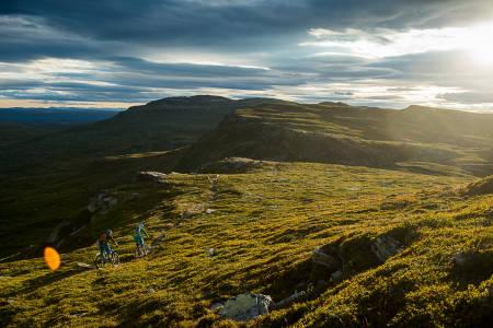 Syklingen på Skeikampen er spektakulær med god oversikt og fin flyt. Bilde: Vegard Breie