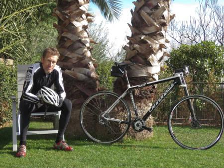 VETERAN: Tom Larsen og Cannondale-sykkelen har holdt sammen i tre år. Årets sesong blir den fjerde.