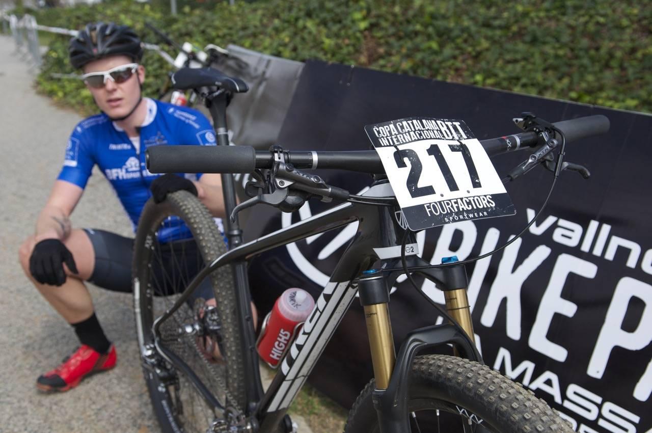DEBUTANT: Henrik Hollingsæter Kippernes hadde hatt færre enn 5 turer på den nye sykkelen da den ble med på ritt i Barcelona. Alle foto: Øyvind Aas